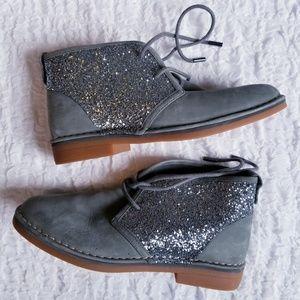 Glitter Chukka Boots in Gray Silver Hush Puppies